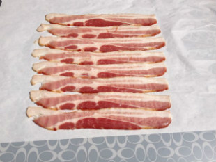 8 strips of bacon