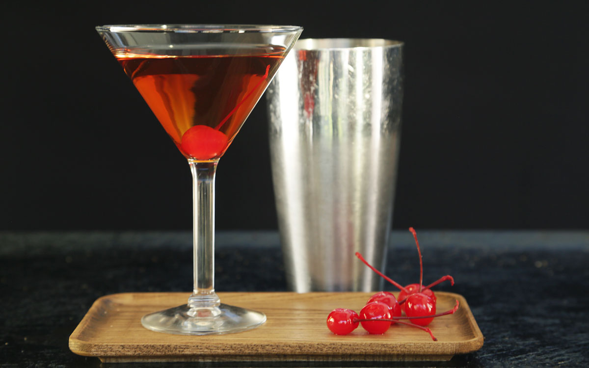 Smoked Manhattan Cocktail Recipe Barbecuebible Com