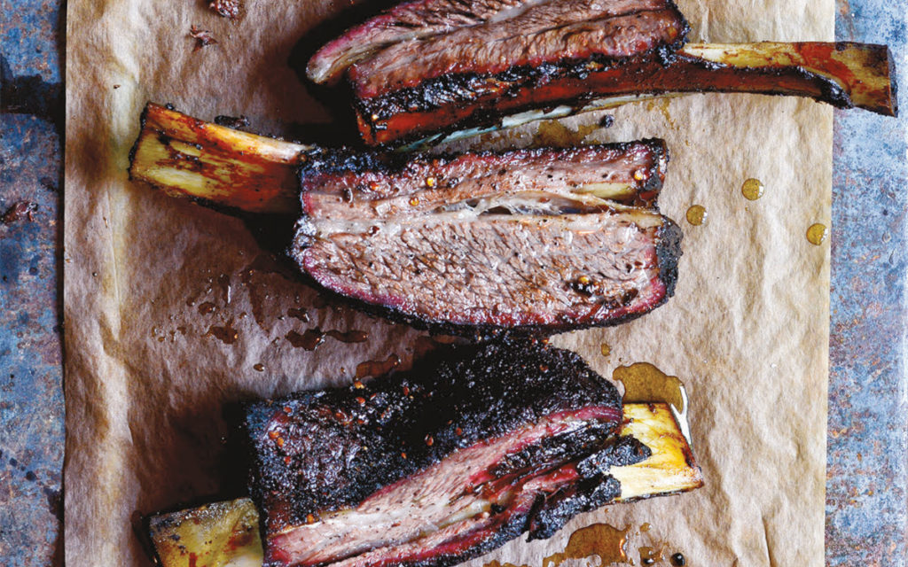 Smoked Beef Plate Ribs Recipe Barbecuebible Com