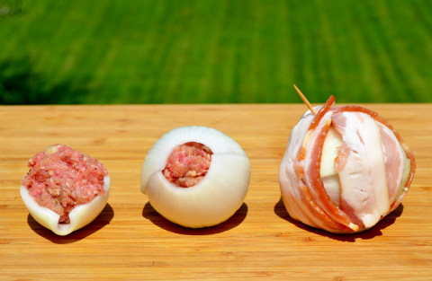 Assembling onion bombs
