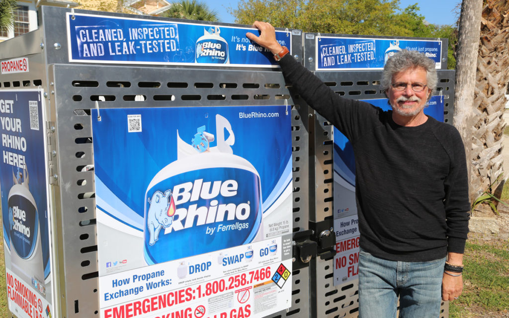 Steven Raichlen with Blue Rhino